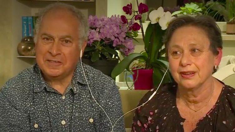 Jean-Maurice et Marlène Dahan s'avancent vers le 11 mai, date du déconfinement, avec prudence. Le couple explique pourquoi, selon lui, la bataille contre le coronavirus n'est pas gagnée. (FRANCE 2)
