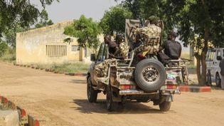 Des soldats nigérians, le 3 novembre 2020, àNgamdu, au Nigeria. (AUDU MARTE / AFP)