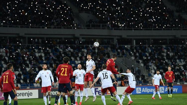 18 000 spectateurs ont pu assister à Géorgie - Espagne ce dimanche 28 mars à Tbilissi.  (KIRILL KUDRYAVTSEV / AFP)