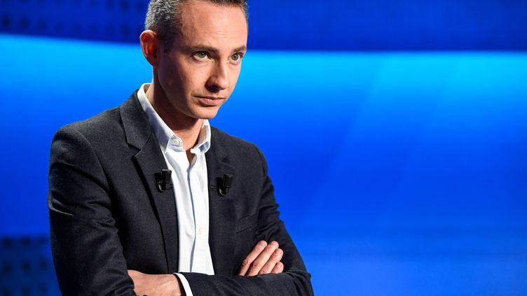 Ian Brossat, tête de liste PCF pour les européennes, lors d'un débat sur France 2, à Saint-Cloud (Hauts-de-Seine), le 4 avril 2019. (BERTRAND GUAY / AFP)