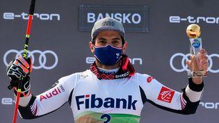 Le Français Mathieu Faivre après sa victoiredans le slalom géant de Coupe du monde à Bansko(Bulgarie), le 28 février 2021. (NIKOLAY DOYCHINOV / AFP)