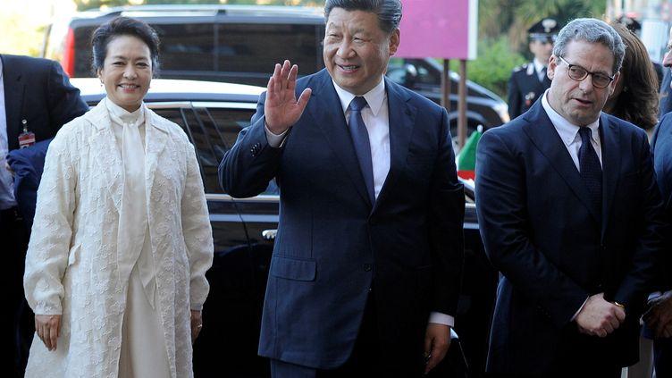 Xi Jinping et son épousePeng Liyuan, à Palerme (Italie), le 23 mars 2019. (GUGLIELMO MANGIAPANE / REUTERS)