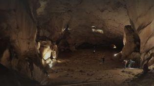 confinement grotte (FRANCEINFO)