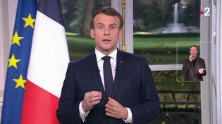 Emmanuel Macron, le 31 décembre 2019 à Paris. (MARTIN BUREAU / FRANCE 2)