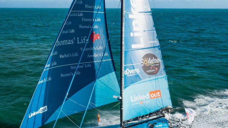 Les foils, appendices de chaque coté de la coque, au dessus de l'eau, élèvent Linkedout  (Pierre Bouras / TR Racing)