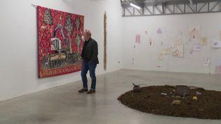 L'adjoint à la culture de la mairie de Bourges, Yannick Bedin, à la Transpalette, centre d'art contemporain. (GUILLEROT-MALICK Apolline / France 3)