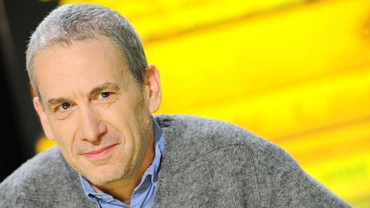 """Mathieu Lindon sur le plateau de """"La Grande Librairie"""" (France 5)  (BALTEL/SIPA)"""