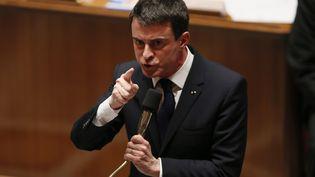 Le premier Ministre s'exprime durant les questions au gouvernement à l'Assemblée Nationale à Paris le 17 février 2015. (PATRICK KOVARIK / AFP)
