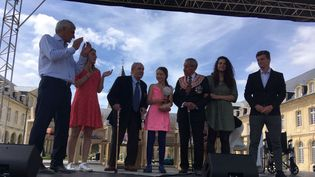 Greta Thunberg a reçu son prix aux côtés des vétérans Léon Gautier et Charles Norman Shay, le 21 juillet 2019 à Caen. (STEPHANIE LEMAIRE / FRANCE 3 NORMANDIE)
