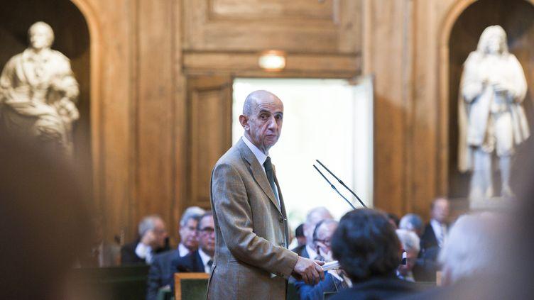 L'ancien patron d'EADS, Louis Gallois, s'exprime devant l'Académie des sciences morales et politiques, le 22 octobre 2012, à Paris. (CHRISTOPHE MORIN / MAXPPP)