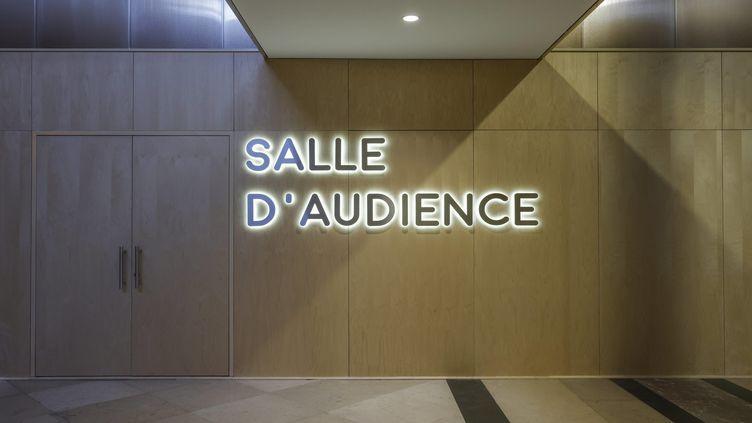 Dans la salle des pas perdus du Palais de Justice de Paris sur l'Ile de la Cité. (OLIVIER CORSAN / MAXPPP)