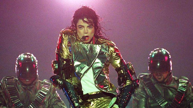 Michael Jackson sur scène à Munich en 1997.  (MaxPPP)