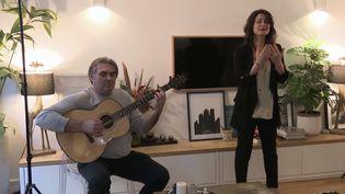 Concert privé à domicile. (FRANCE 3)