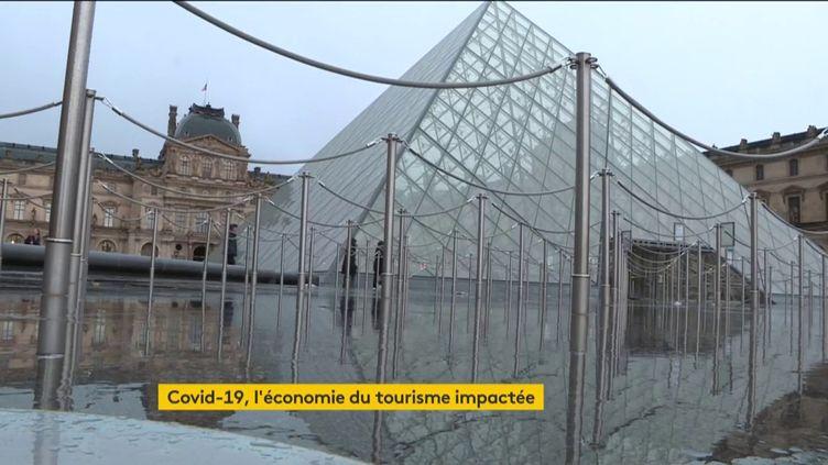 Le Louvre fermé à cause du coronavirus (FRANCEINFO)