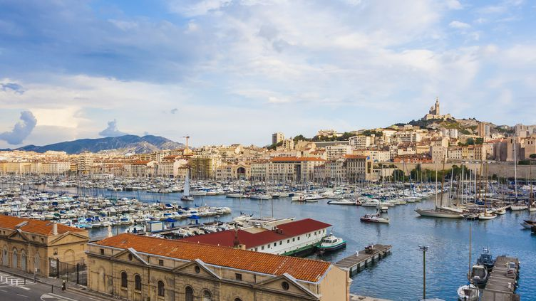 Marseille / Paris : un doublé gagnant pour les JO 2024 ?Le Vieux Port et la vieille ville à Marseille. (WESTEND61 / WESTEND61 / GETTY IMAGES)