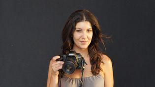La photographe franco-marocaine Leïla Alaoui pose, en 2011, pour un ami. (AFP)