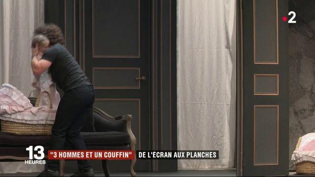 """""""3 hommes et un couffin"""" : la comédie culte cartonne au théâtre"""