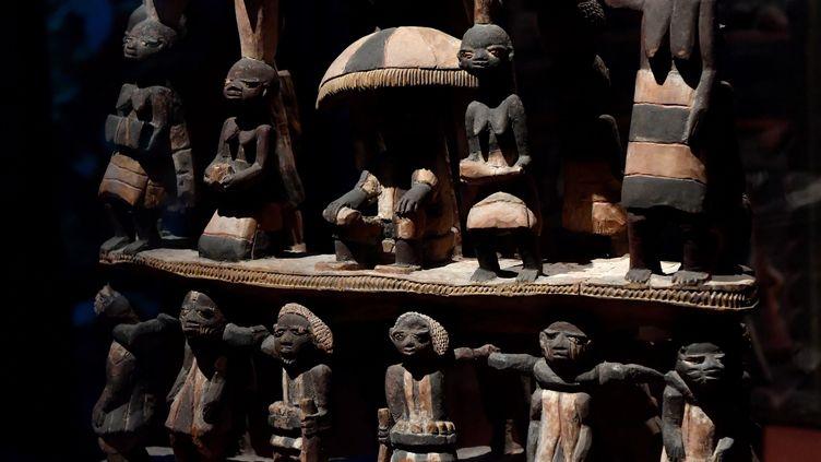 Siège Royal du Royaume du Dahomey (Benin actuel) au début du 19e siècle, le 18 juin 2018 au Musée du Quai Branly-Jacques Chirac à Paris. (GERARD JULIEN / AFP)