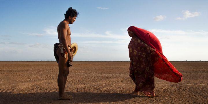 """Illustration des traditions des indiens Wayuu dans """"Les oiseaux de passage""""  (Copyright Ciudad Lunar Blonde Indian Mateo Contreras)"""