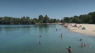 Baignade : comment contrôler la qualité de l'eau ? (FRANCE 2)