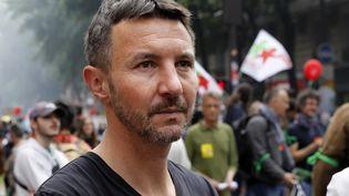 Olivier Besancenot, lors d'une manifestation en mai 2018 à Paris. (ETIENNE LAURENT / EPA)