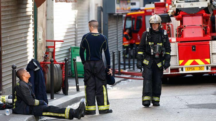 (Deux départs de feu successifs ont été signalés dans la nuit de mardi à mercredi. © REUTERS | Charles Platiau)