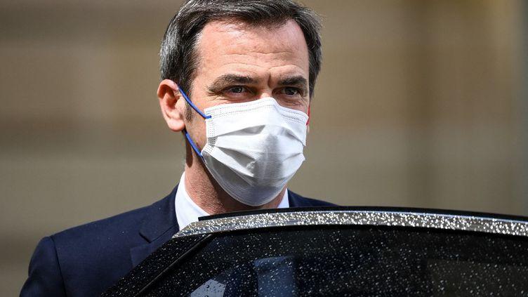 Le ministre des Solidarités et de la Santé, Olivier Véran, le 19 mai 2021 au palais de l'Elysée, à Paris. (FRANCK FIFE / AFP)