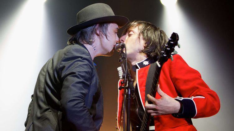 Pete Doherty et Carl Barât le 26 septembre 2014 à l'Alexandra Palace (Londres).  (Stephanie Paschal/REX )