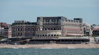 L'Hôtel du palais, à Biarritz (Pyrénées-Atlantiques), où les délégations du G7 sont reçues. (IROZ GAIZKA / AFP)