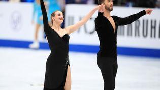 Gabriella Papadakis et Guillaume Cizeron après le programme court aux championnats du monde de patinage artistique à Saitama (Japon), le 22 mars 2019. (ATSUSHI TAKETAZU / YOMIURI)