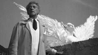 """Le Poète et le Sphinxtournage du """"Testament d'Orphée"""" de Jean CocteauLes Baux-de-Provence, 1959tirage moderne argentique40,2 x 47,1 cm. Photo présentée au Grand Palais dans le cadre de l'exposition Lucien Clergue  (Atelier Lucien Clergue )"""