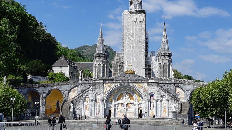 Le sanctuaire de Lourdes (Hautes-Pyrénées), quasiment désert en mai 2021 (GUILLAUME GAVEN / FRANCEINFO / RADIO FRANCE)