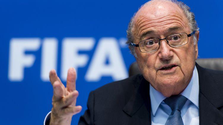 Le président de la Fifa, Sepp Blatter, le 4 octobre 2013 lors d'une conférence de presse à Zurich (Suisse). (FABRICE COFFRINI / AFP)