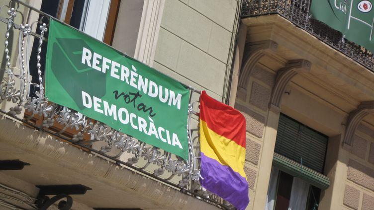 Un référendum d'autodétermination, jugé illégal par Madrid, est organisé dimanche 1er octobre en Catalogne; (MAXPPP)