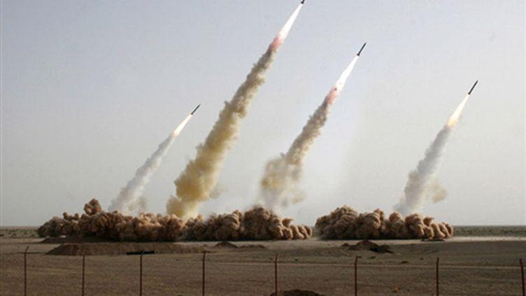 Essai de missiles en Iran (photo éditée par les Gardiens de la révolution, apparemment retouchée) (AFP PHOTO - HO - SEPAH NEWS)