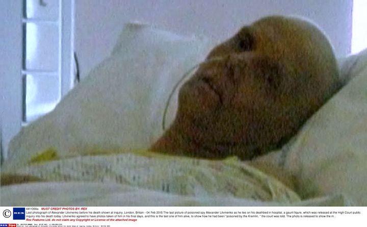 La dernière photo d'Alexandre Litvinenko vivant, prisequelques jours avant sa mort, survenue le 23 novembre 2006 au University College Hospital de Londres (Royaume-Uni). (SIPA)
