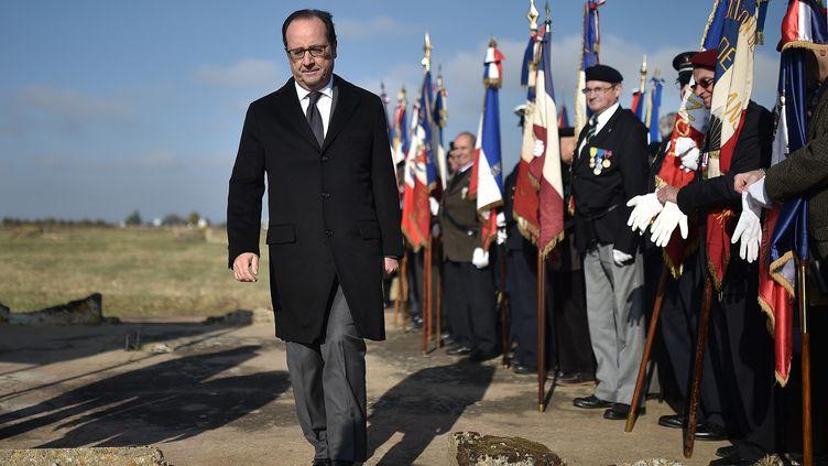 François Hollande le 29 octobre 2016 àMontreuil-Bellay pour un hommage national aux Tsiganes internés par le régime de Vichy. (JEAN-SEBASTIEN EVRARD / AFP)