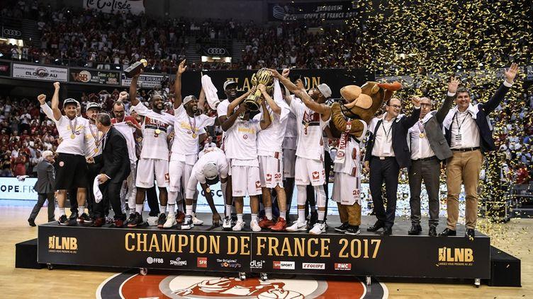 L'équipe de Chalon-sur-Saône, championne de France 2017 de Pro A,