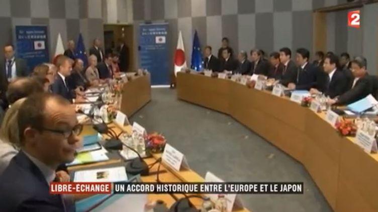 """L'Union européenne (UE) et le Japon sont parvenus à un """"accord politique"""" sur un traité de libre-échange hier, mercredi 5 juillet. (FRANCE 2)"""