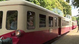 Pour la 32ème année consécutive, le sud des Ardennes redémarre ses vieilles locomotives. Des autorails des années 50-60 un peu comme la vieille Micheline. (France 3)