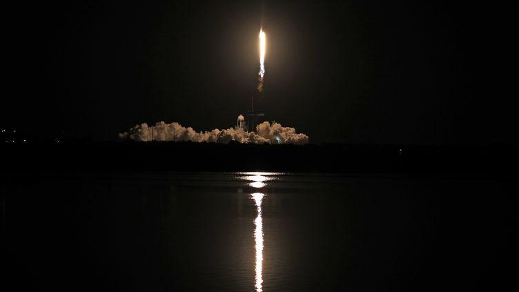 La fusée SpaceX décolle de Floride, le 16 novembre 2020. (GREGG NEWTON / AFP)
