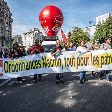 Des manifestants contre la réforme du Code du travail à Paris, le 21 septembre 2017. (CITIZENSIDE/SADAK SOUICI / CITIZENSIDE)