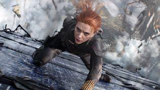 Le personnage de Natasha Romanoff est joué par l'actrice américaine Scarlett Johansson. (WALT DISNEY STUDIOS - MARVEL STU / COLLECTION CHRISTOPHEL VIA AFP)