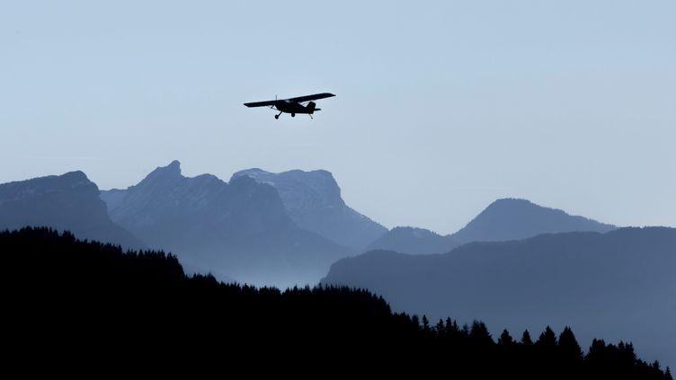 Un avion biplace (illustration) (VINCENT ISORE / MAXPPP)