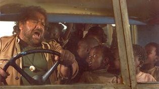 """L'acteur italien Bud Spencer, dans le film """"Cul et chemise"""" d'Itano Zingarelli (1979). (ARCHIVES DU 7EME ART / PHOTO 12 / AFP)"""