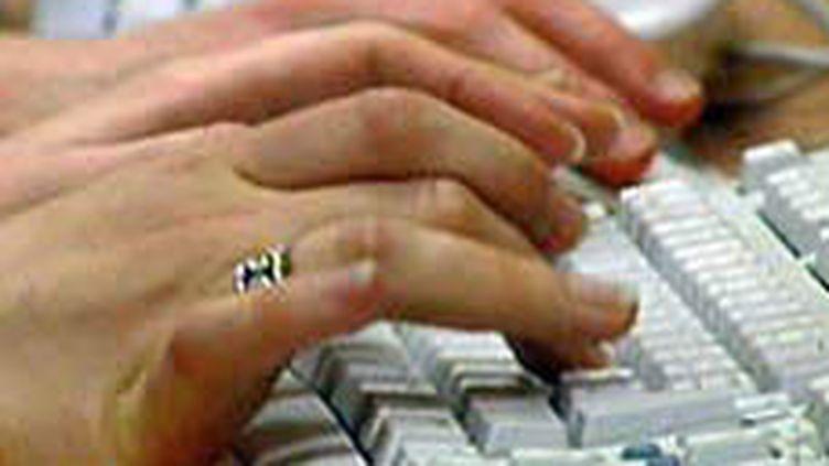 Le nombre d'ordinateurs infestés est inconnu mais peut se chiffrer en millions, selon un spécialiste, Kevin Stevens. (France 2)