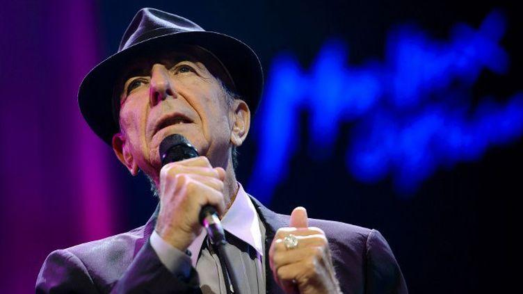 Leonard Cohen sur scène au Festival de Montreux (Suisse) en 2013  (FABRICE COFFRINI / AFP)