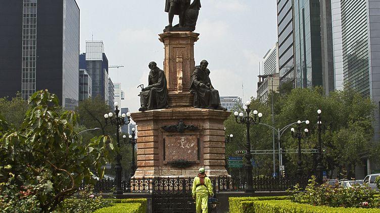 Unestatue de Christophe Colomb à Mexico. (IVAN BAUTISTA / NOTIMEX)