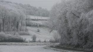 La campagne picarde sous la neige, le 1er janvier 2017, à Mouflers (Somme). (MAXPPP)