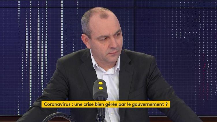 """Laurent Berger, secrétaire général à la CFDT, était l'invité du """"8h30 franceinfo"""" le mercredi 11 mars. (FRANCEINFO / RADIOFRANCE)"""